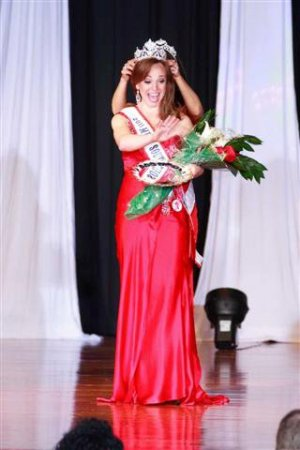 Niki Wartenburg Mrs. SC 2011 Pageant